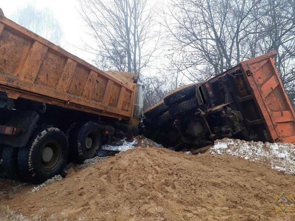 В Рогачевском районе столкнулись два грузовика Фото:МЧС