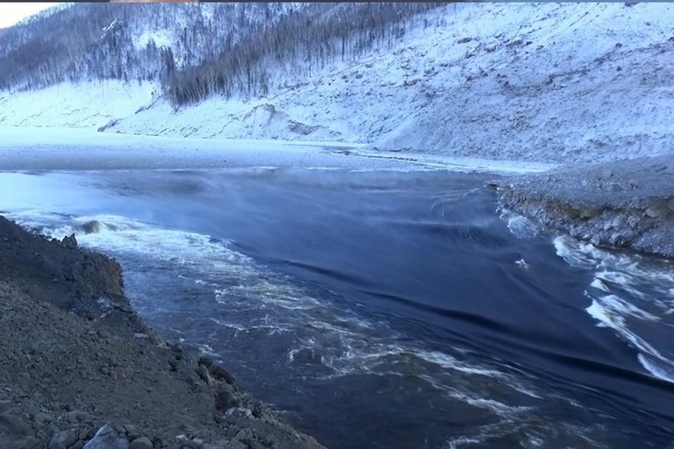 Место обвала сопки на Бурее в Хабаровском крае повторно обследуют ученые