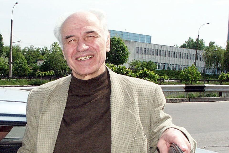 Композитор Евгений Дога считает, что на улице его имени можно сломать не только каблуки, но и ноги