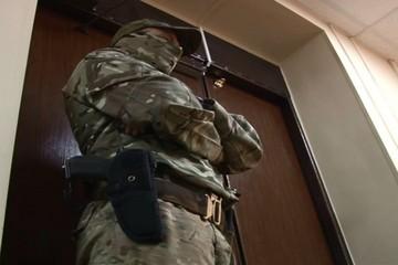 «ФСБ работает»: опубликовано видео задержания экс-замгубернатора Хабаровского края и обысков в «Азия Лес»