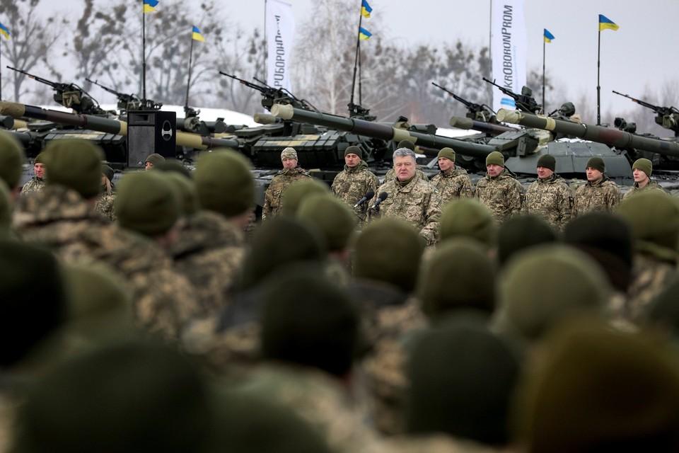 Ранее в Сети раскритиковали Порошенко за речь на церемонии передачи новой техники ВСУ
