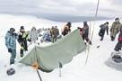 Новые тайны перевала Дятлова: загадочные травмы туристов и забытый в снегу фонарик