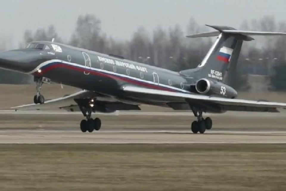 """Самолет """"Черная жемчужина"""" поднялся в небо после ремонта. ФОТО: стоп-кадр с видео"""