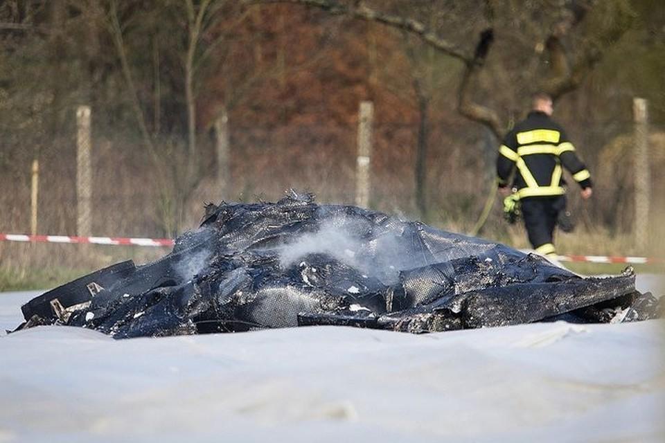 Рухнувший самолет полностью обгорел. Фото: EAST NEWS.