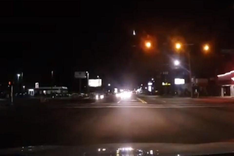 В США водитель записал на видео полет метеорита