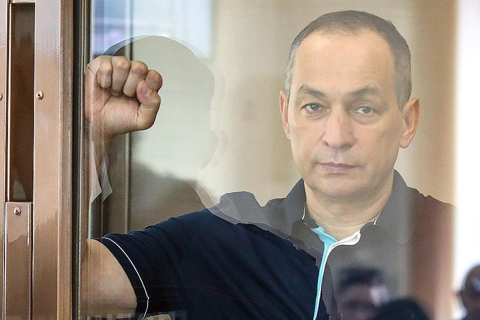 Шестун до решения суда пытался выбраться на свободу, чтобы спасти свои миллиарды. Фото Михаил Почуев/ТАСС