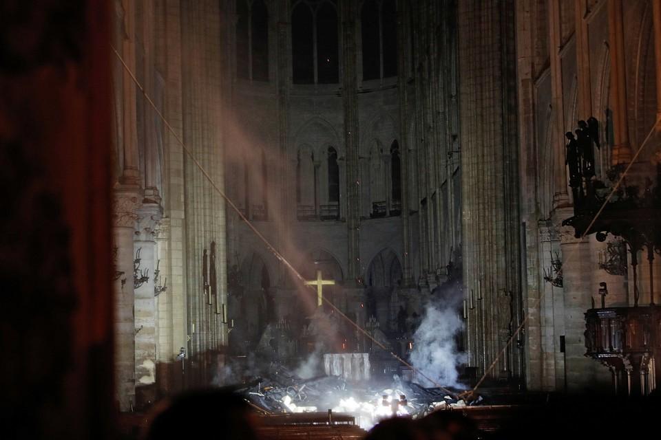 Следователи допросили строителей, которые проводили реставрацию в Соборе Парижской Богоматери