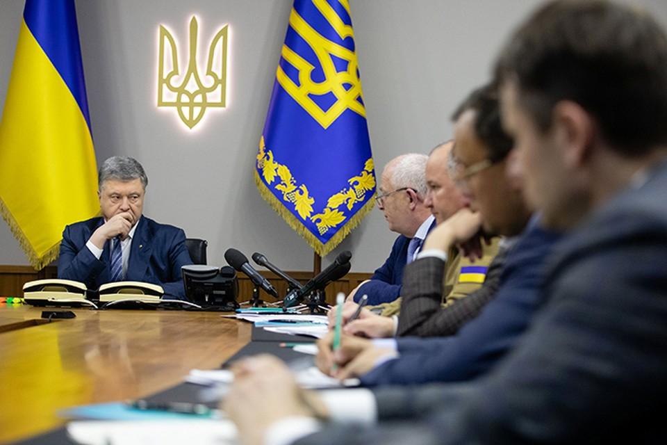 Петр Порошенко, понимая, что он уже проиграл президентские выборы, наметил себе новый план