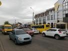 Симферополь застыл в пробках: В крымской столице репетируют парад Победы, люди идут пешком