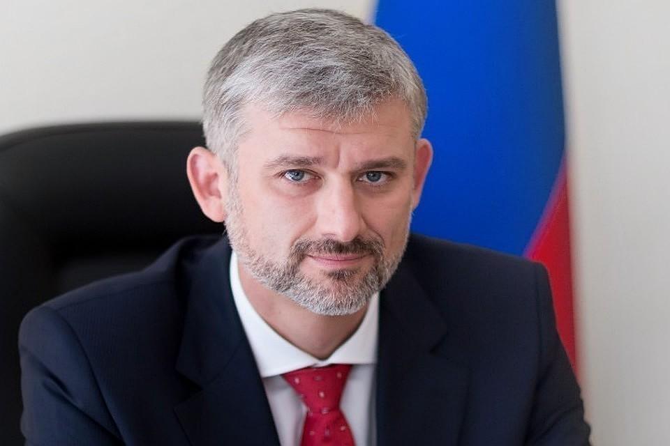 Министр транспорта РФ Евгений Дитрих. Фото: пресс-служба «Росавтодора»