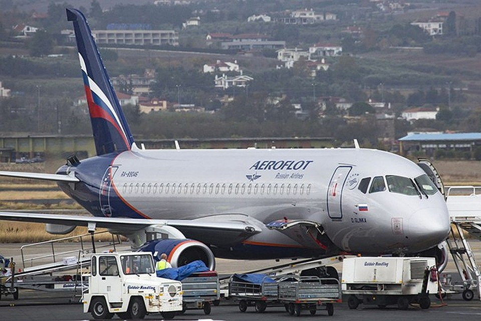 Sukhoi Superjet 100, который вылетел 13 мая по маршруту Москва - Самара, вернулся в аэропорт Шереметьево