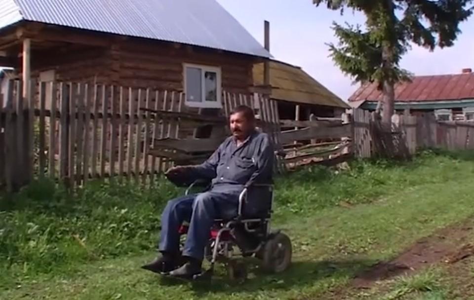 Детей и внуков у 65-летнего Виктора Ананьева нет, он одинок, следовательно, и помочь некому.