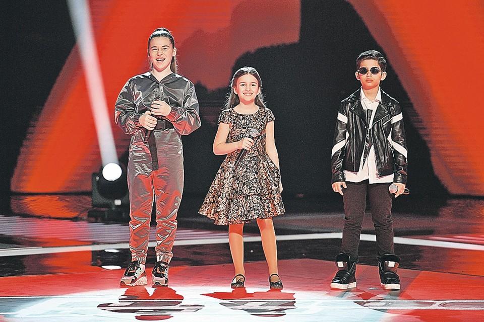 Микелла, дочь Алсу (слева), больше не победительница, а рядовая финалистка - как Нино Чеснер, Роберт Багратян и еще шестеро ребят. Фото: Максим ЛИ/Первый канал