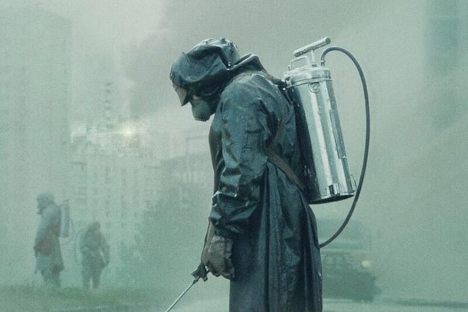 """Фрагмент постера телесериала """"Чернобыль"""" американского канала НВО."""