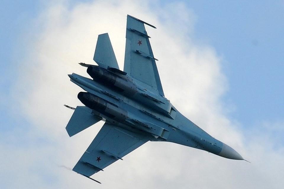 """В США сообщили о """"небезопасном"""" перехвате самолета российским Су-35"""