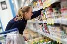 Кто выпьет прокисшее молоко: магазинам запретили возвращать скоропортящиеся товары