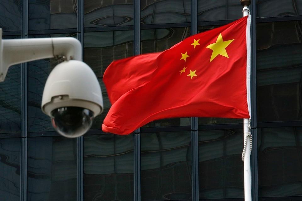 Китай предупредил иностранные компании о последствиях от соблюдения санкций США