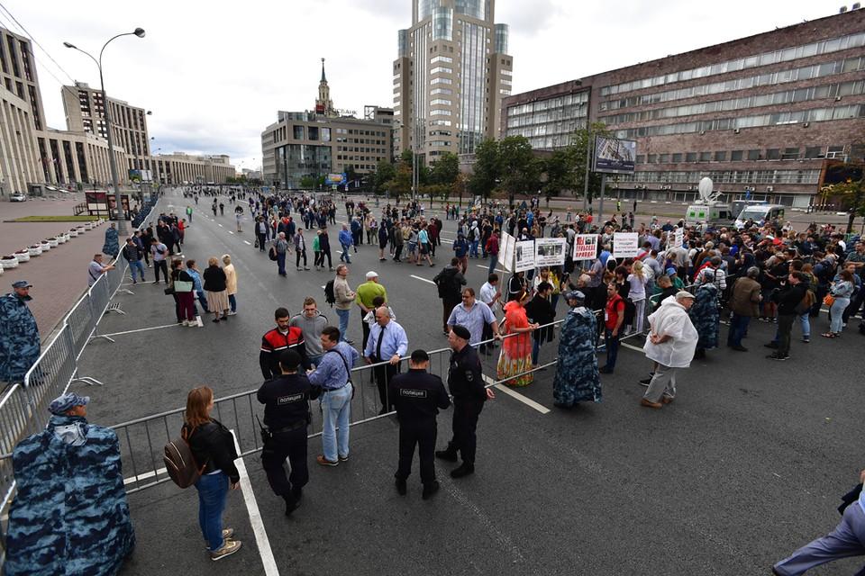 Либеральная общественность демонстративно проигнорировала митинг в поддержку свободы журналистики и Ивана Галунова