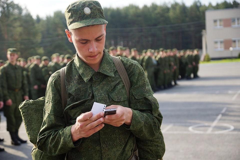 Минобороны опровергло информацию о намерении изменить срок присвоения званий старшего лейтенанта