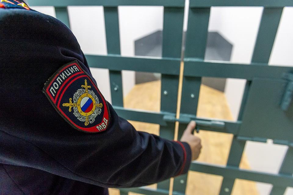 Задержанный рассказал оперативникам жалобную историю, пытаясь оправдать выращивание конопли болями в спине.