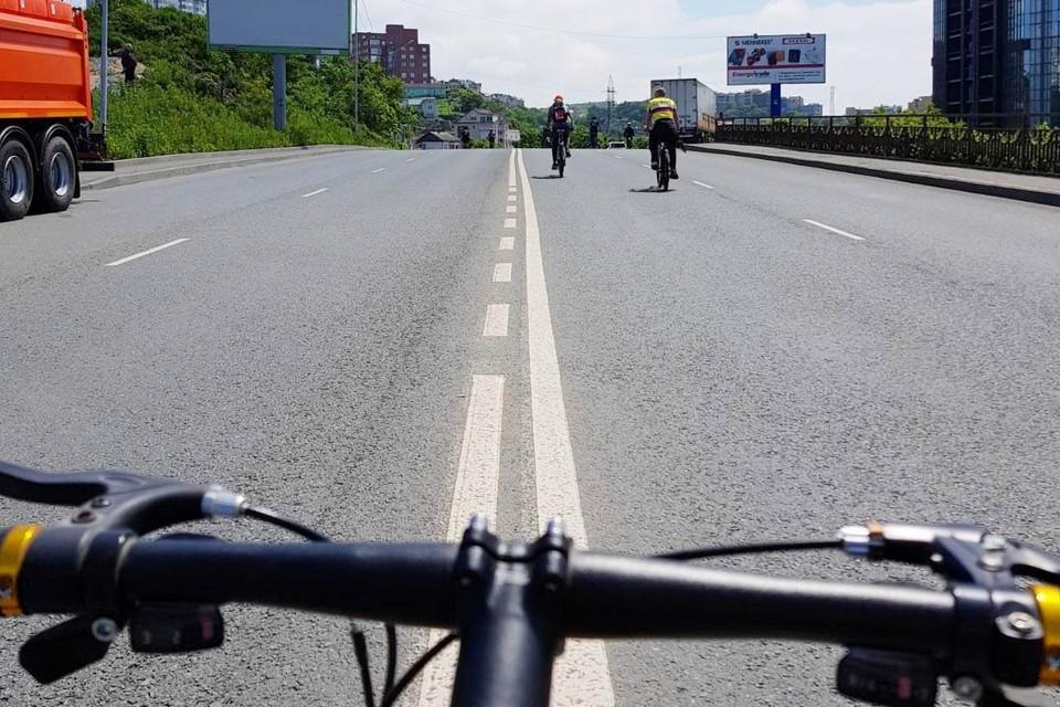 Велопарад во Владивостоке на Проспекте красоты. Фото: предоставлено одним из участников
