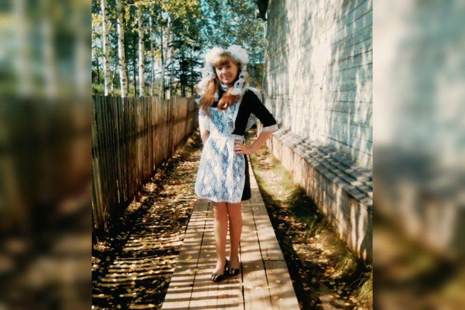 Единственная выпускница из сибирской глубинки отказалась отмечать праздник. Фото: семейный архив Апаликовых.