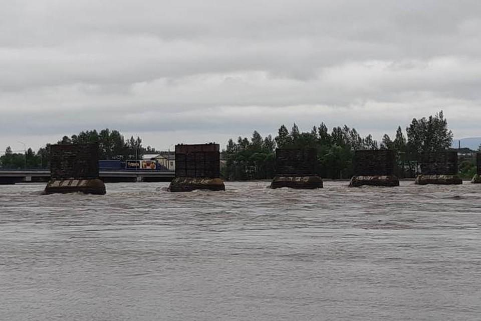 Пришла вода: летние паводки обрушились на Иркутскую область.