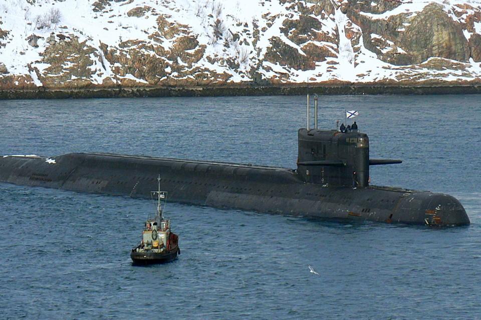 """Носитель станции - подводная лодка """"Оренбург"""". Фото: goodfon.ru."""