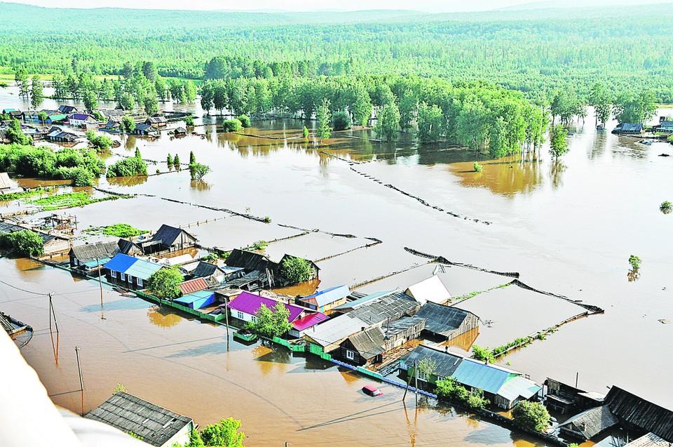 Тулун сегодня. Город еще долго будут восстанавливать после разгула стихии. Фото: МЧС России.