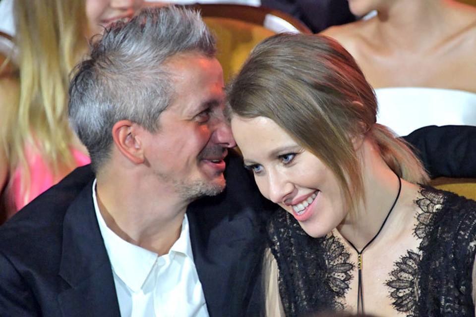 Звездная пара - Константин Богомолов и Ксения Собчак отдыхают в Европе.