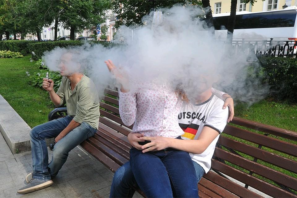 """""""Как бороться с курением? Есть два вида давления: убеждение и запреты. Третьего не дано""""."""