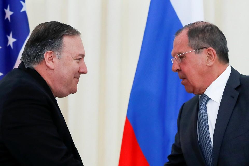 Майкл Помпео и Сергей Лавров (справа)