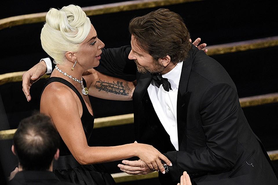 В прошлом году актер Брэдли Купер снял душещипательный мюзикл «Звезда родилась». Он дебютировал как режиссер, а певица Леди Гага — как актриса
