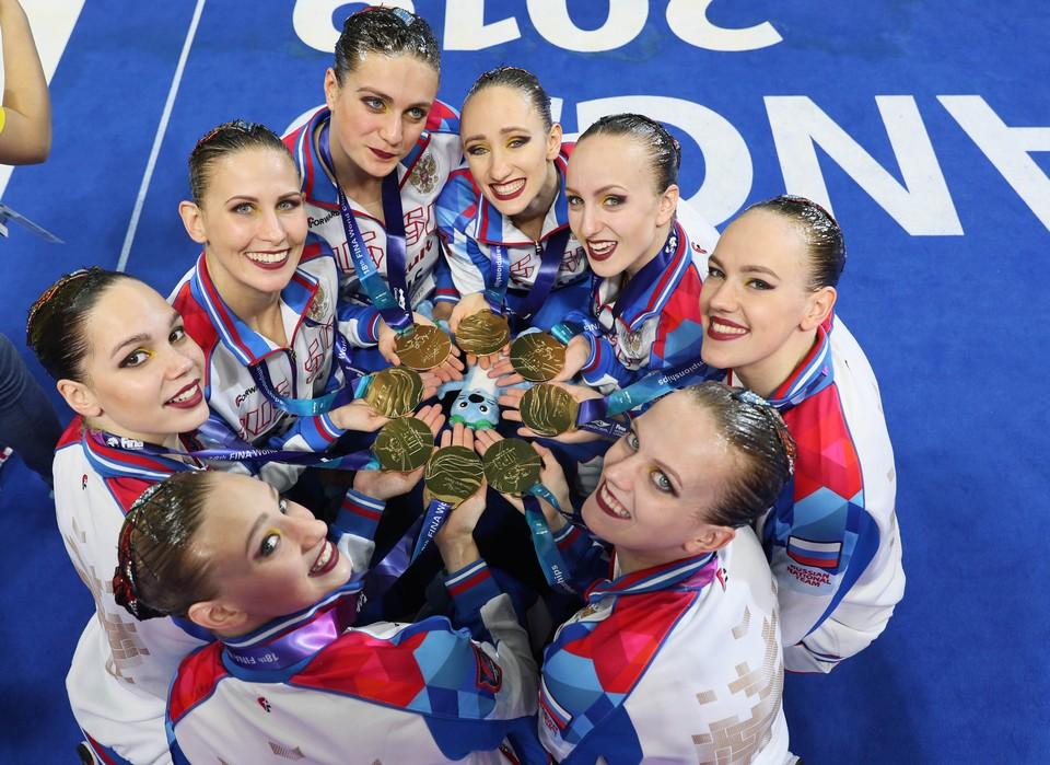 Наши девушки - снова чемпионки мира.