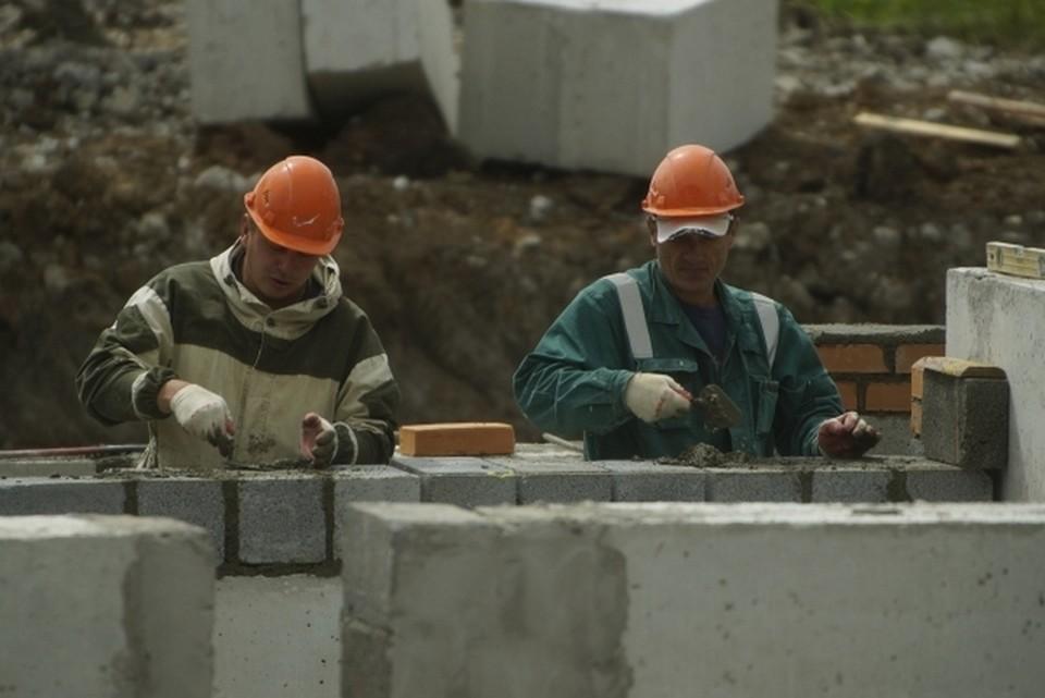 Строительство одной из школ идет с опозданием