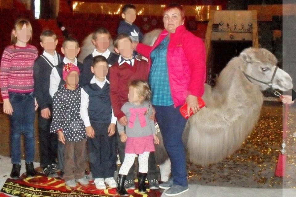 Дети выглядели накормленными и счастливыми, но в последнее время стали воровать продукты у соседей. Фото: газета «Звезда» Щучанского района