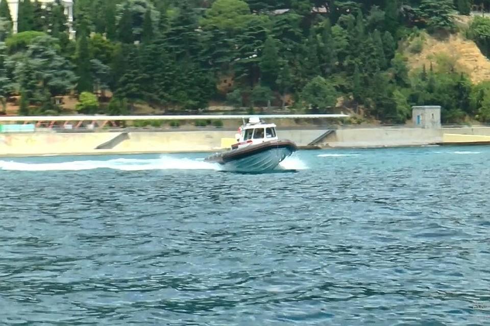 Севастопольские росгвардейцы спасли 12-летнюю девочку в открытом море