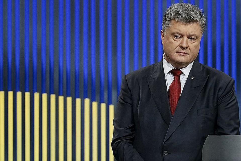 Экс-глава незалежной улетел в Турцию со всеми членами своей семьи, но обещает вернуться на Украину
