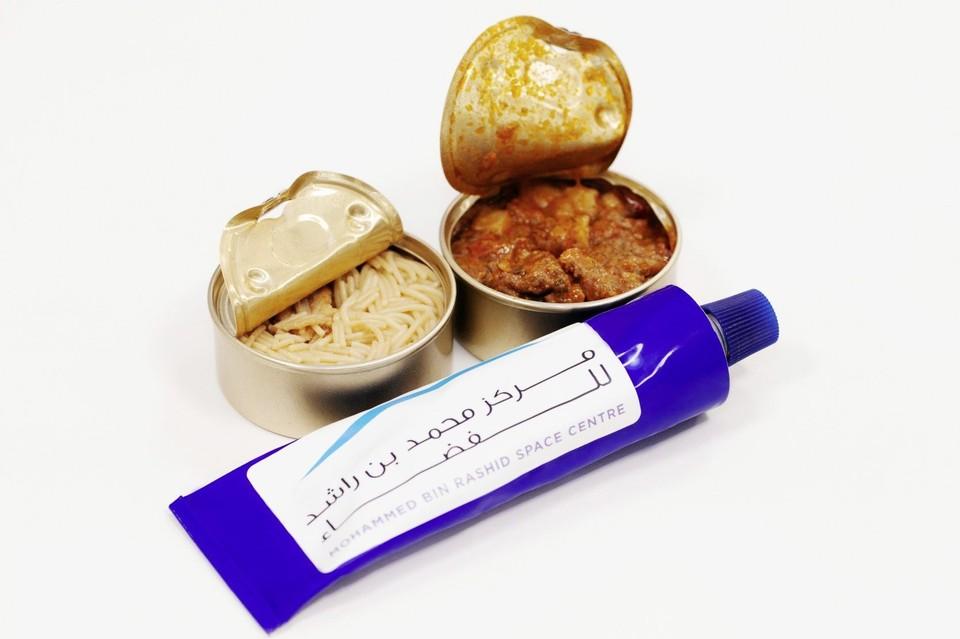 Космическая арабская еда Фото: MBR Space Centre Twitter