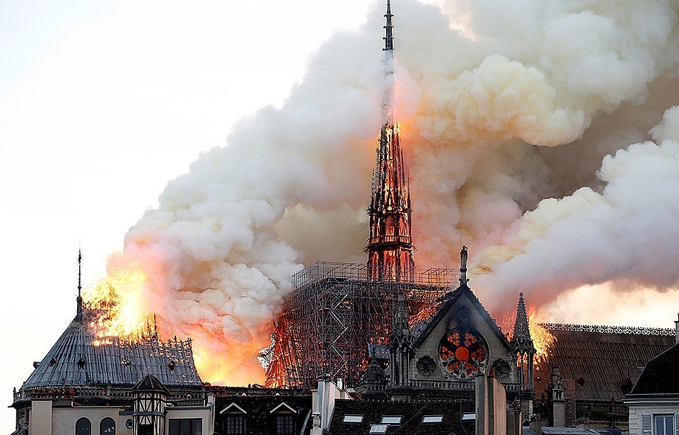 Пожар в главном соборе Парижа произошел вечером 15 апреля 2019 г.