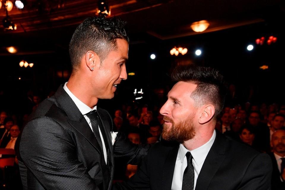 Криштиану Роналду и Лео Месси давно являются соперниками на поле.