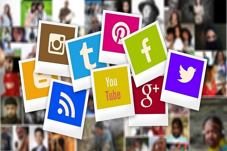 turns social media giants - 960×640