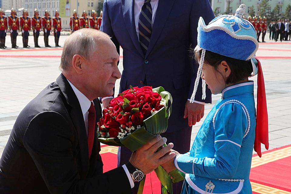 Владимир Путин прилетел в Улан-Батор с официальным визитом