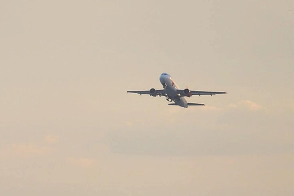 Десятки рейсов вылетают с задержкой.