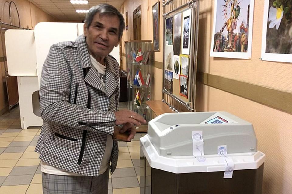 Бари Алибасов проголосовал на выборах в Мосгордуму