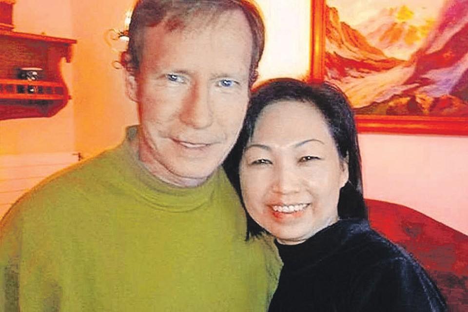 Питер Чедвик с женой. Кви Чу Лим улыбается, не ведая, какая участь ее ждет. Фото: Newport Beach Police Department