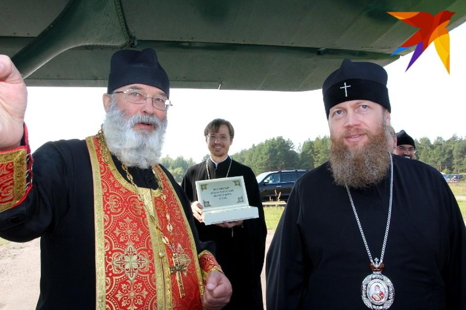 Владыка Савва (справа) в этом году присоединился к крёстному лёту