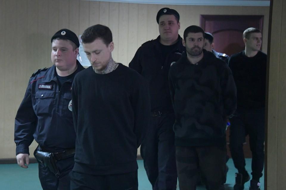 Александр Протасовицкий (второй справа) остается в тюрьме