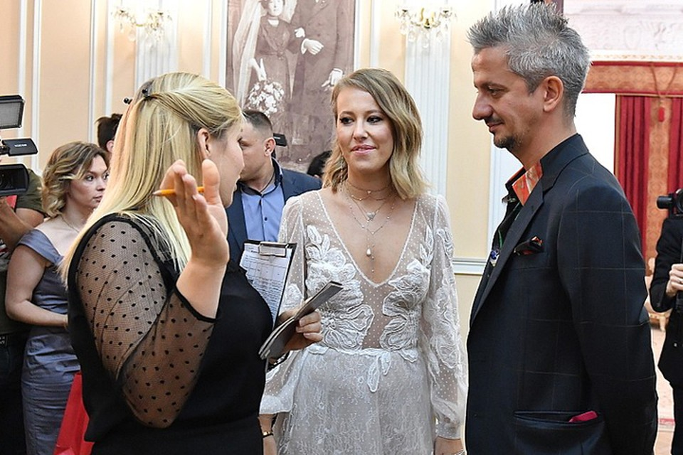 Ксения Собчак и Константин Богомолов пригласили на свадьбу почти 300 гостей