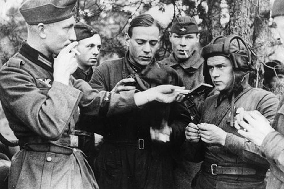 Нас любят попрекать «предвоенным союзом Сталина и Гитлера», вспоминают совместный парад Красной Армии и вермахта